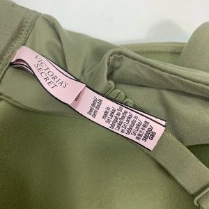 Victoria's Secret Intimates & Sleepwear - Victoria's Secret 38DDD lined demi bra